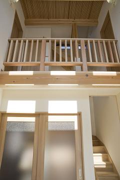 スケルトン階段の家3