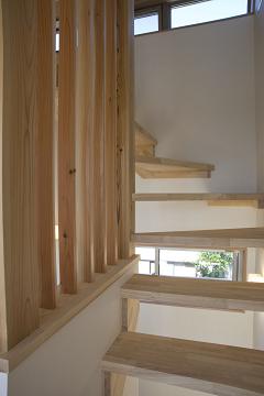 スケルトン階段の家5