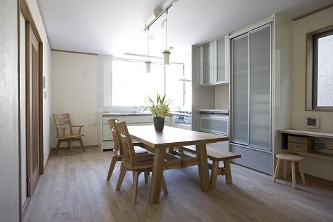 出窓キッチンの家3