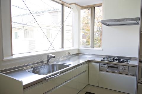 出窓キッチンの家6