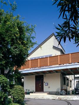 2階リビングとデッキバルコニーのある家2